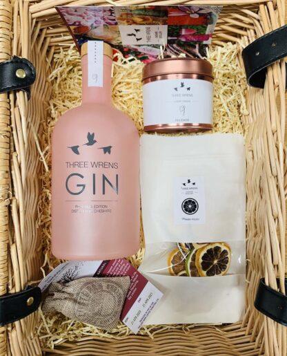 luxury gin gift hamper 2