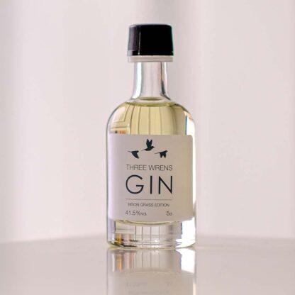 bison grass mini 5cl gin bottle